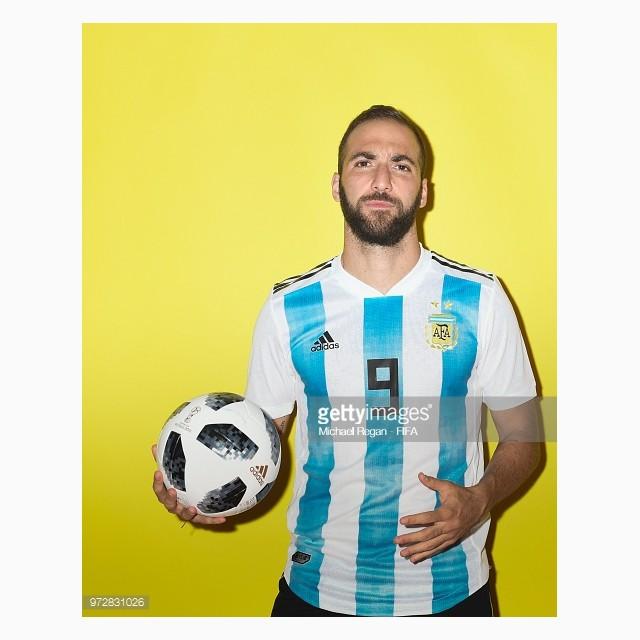 dailylook_ao_dau_wc_argentina_03_gonzalo_higuain