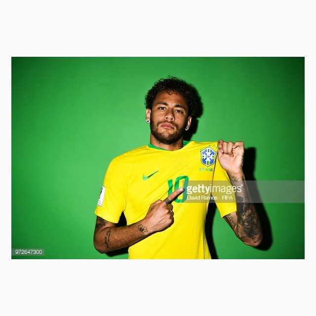 dailylook_ao_dau_wc_brazil_03_neymar_jr