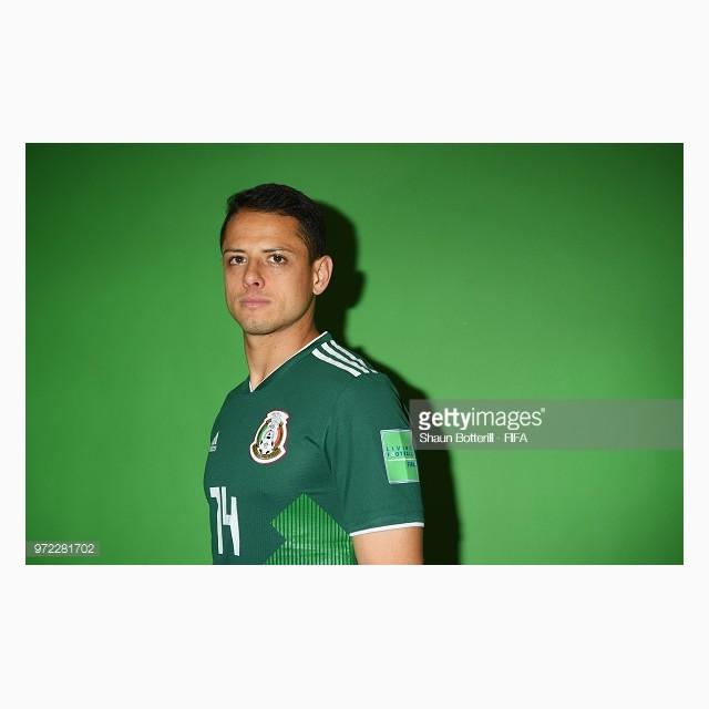 dailylook_ao_dau_wc_mexico_02_javier_hernandez